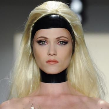 defile-the-blonds-10777716lermp_2041