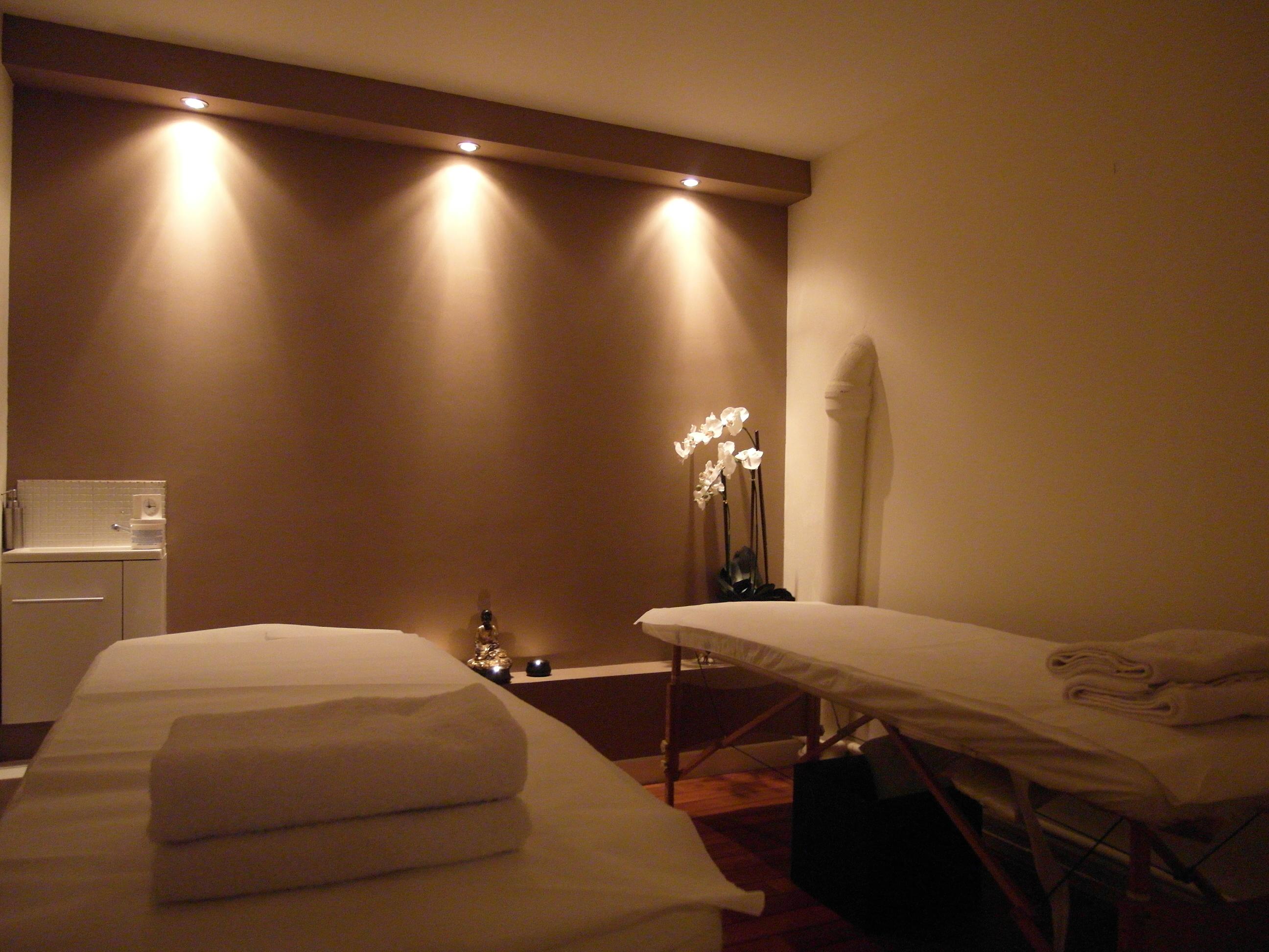 la maison du tui na 9 rue nicolo 75016 paris 01 45 24 53 89. Black Bedroom Furniture Sets. Home Design Ideas