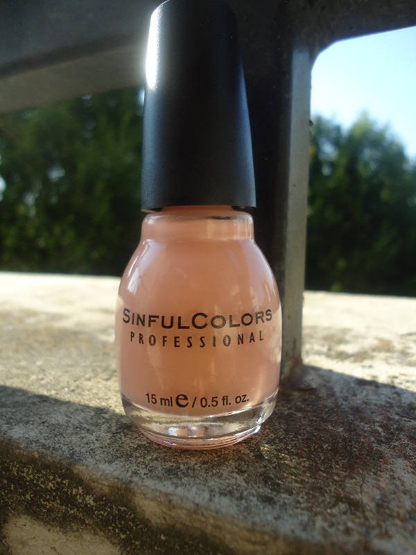 """Vernis  1010  """"Poudre"""" SinfulColors, collection """"Romance Couture"""""""