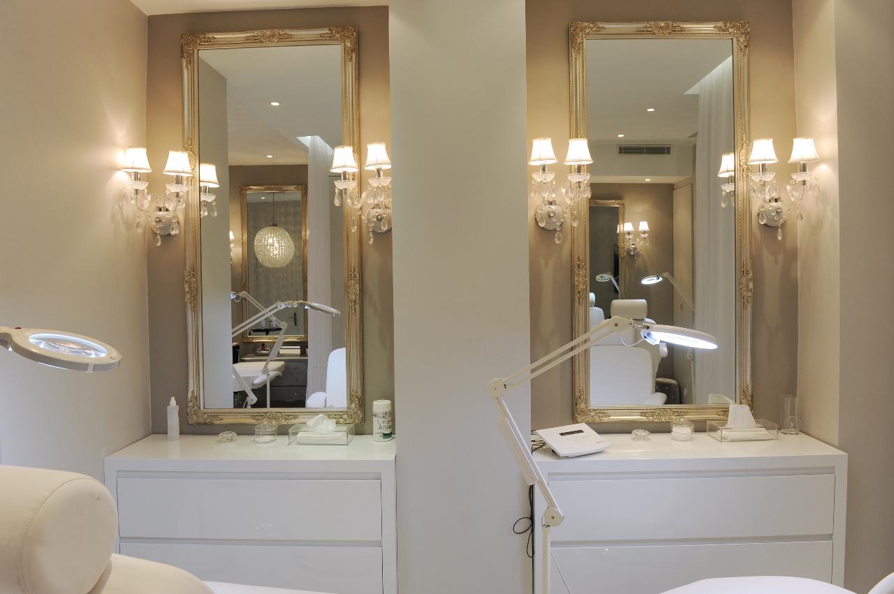 oh les yeux au boudoir du regard la beaut selon une. Black Bedroom Furniture Sets. Home Design Ideas